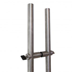 Lockable pull handle